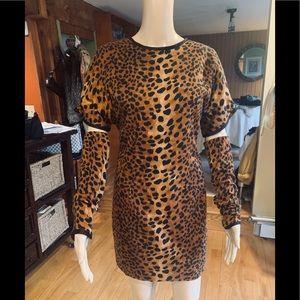 Dresses & Skirts - Gorgeous Dress w/ detachable Long Sleeves Size S-M